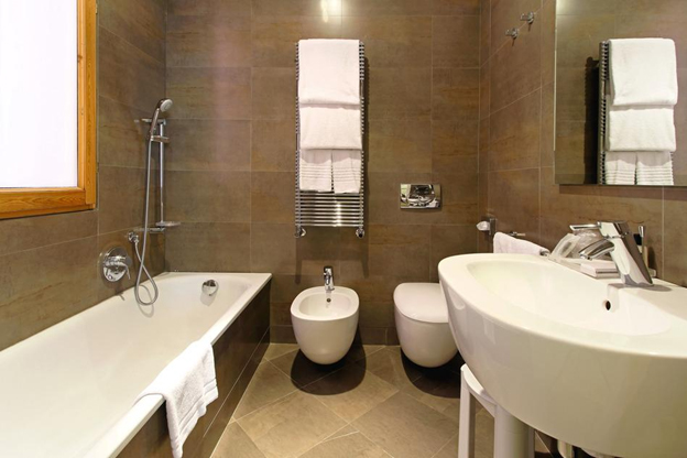 small bathroom renovations with amazing mosaic | Top nine amazing bathroom remodeling ideas | Home ...