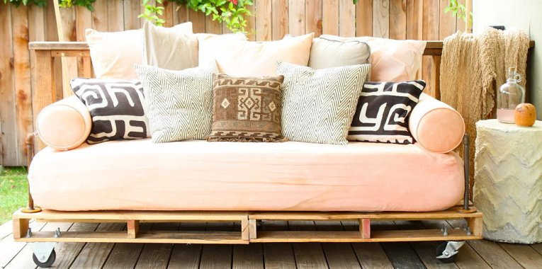 6 Daybed Designs To Relax In Absolute Style (And Comfort ...